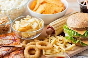7 loại thực phẩm gây hại cho não bộ, ăn nhiều khiến đầu óc thiếu minh mẫn