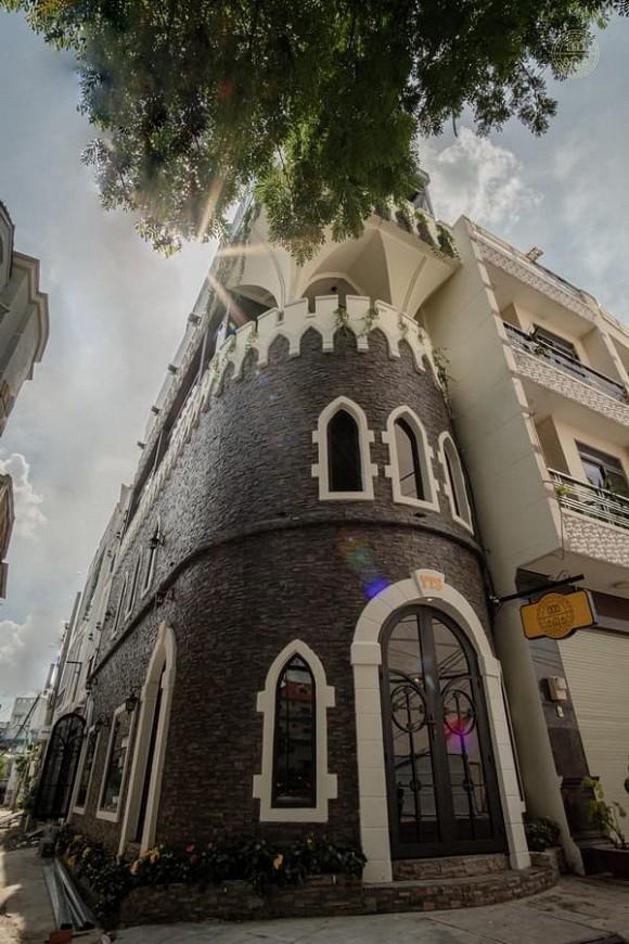 Castle De Café - Lâu đài Pháp giữa lòng Sài Gòn
