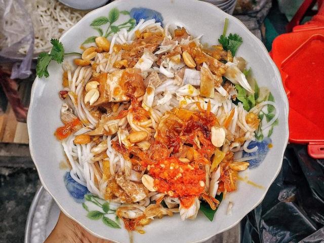 Mê mẩn với hương vị của món bún mắm nêm trứ danh ở Đà Nẵng