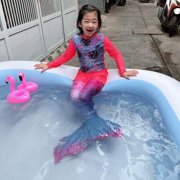Con gái Mai Phương khoe nụ cười giống hệt mẹ, Phùng Ngọc Huy lập tức có bình luận gây chú ý