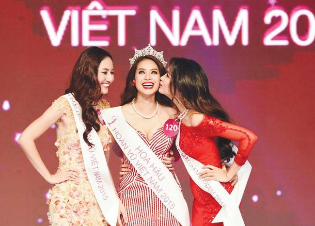 Phạm Hương 6 năm làm hoa hậu: Nửa vinh quang, nửa tắt lịm